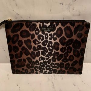 Kate Spade Large Pouch Lindenwood Leopard Cosmetic